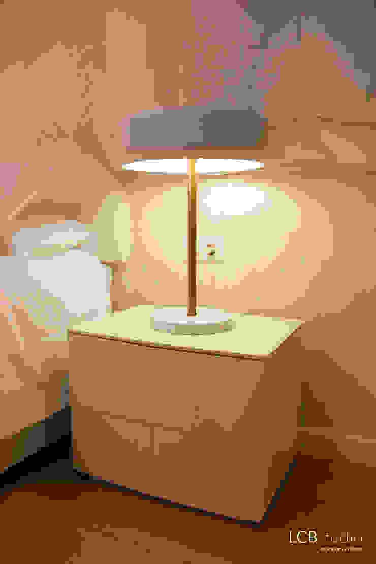 Modern Bedroom by LCB studio Modern
