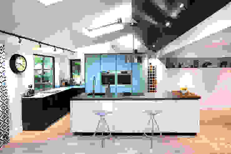 Glastonbury Grove Modern kitchen by Haus12 Interiors Modern