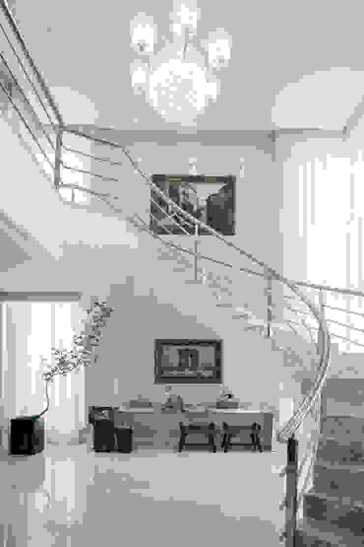 Heloisa Titan Arquitetura Ruang Keluarga Klasik White
