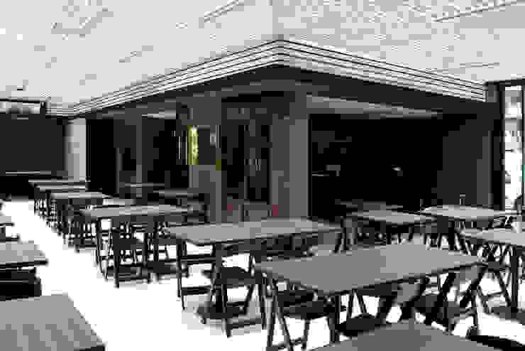 Restaurant Di Tutti & Co. Landeros y Charles Arquitectos, Chile Comedores modernos de Landeros & Charles Architects Moderno Hierro/Acero