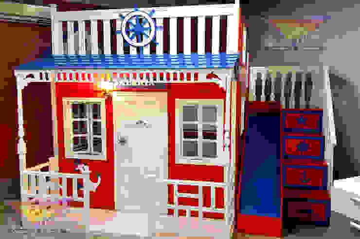 Preciosa casita celestial con tema nautico de camas y literas infantiles kids world Moderno Derivados de madera Transparente