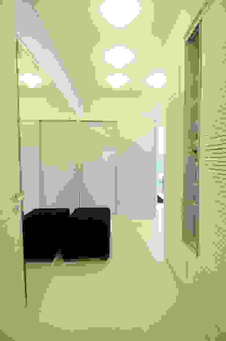 João Linck | Arquitetura Modern style dressing rooms