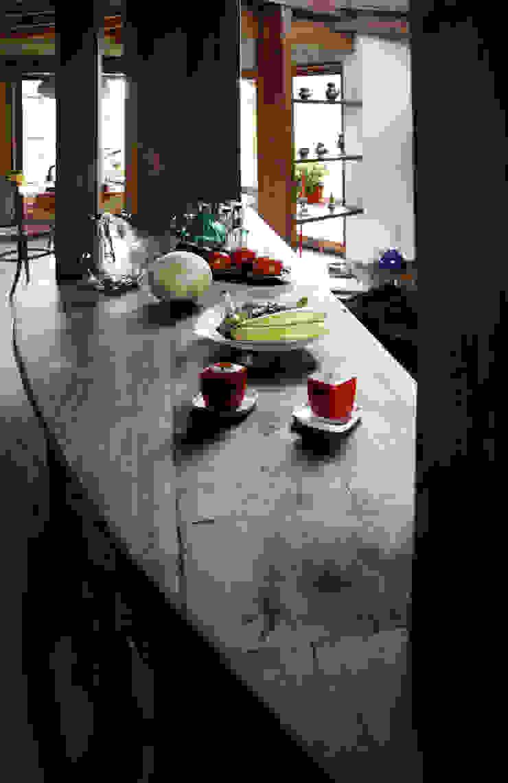 ALIWEN arquitectura & construcción sustentable - Santiago KitchenTables & chairs