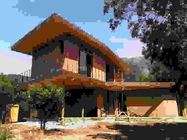 by ALIWEN arquitectura & construcción sustentable - Santiago Modern