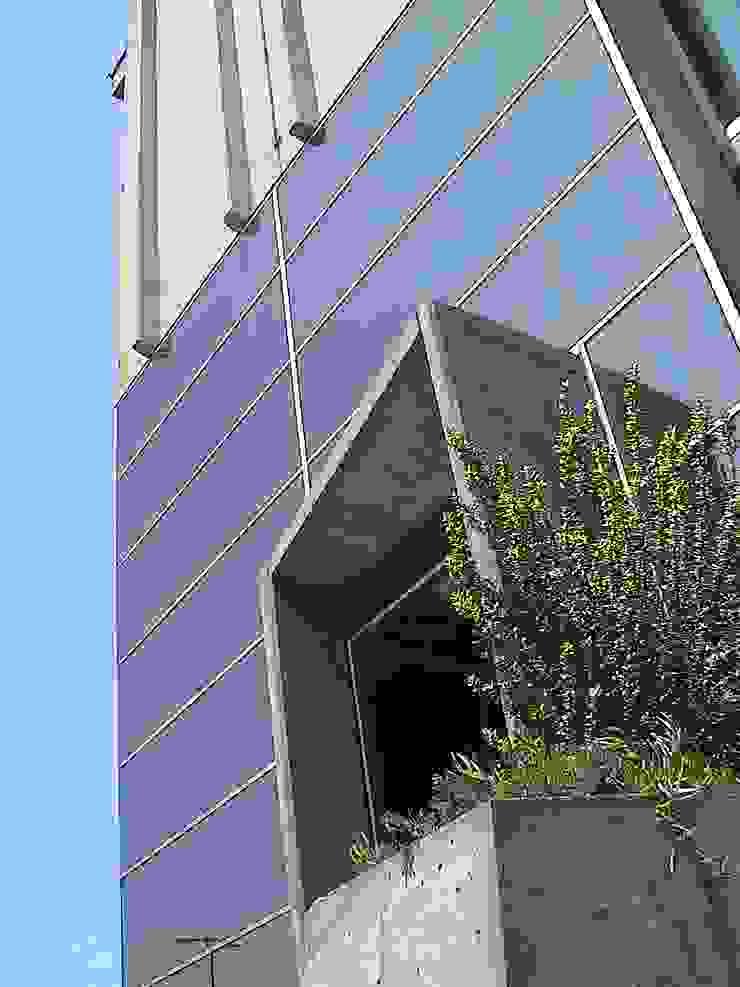 Ampliación y remodelación de Centro de Distribución PRE – UNIC por ALIWEN Puertas y ventanas modernas de ALIWEN arquitectura & construcción sustentable - Santiago Moderno
