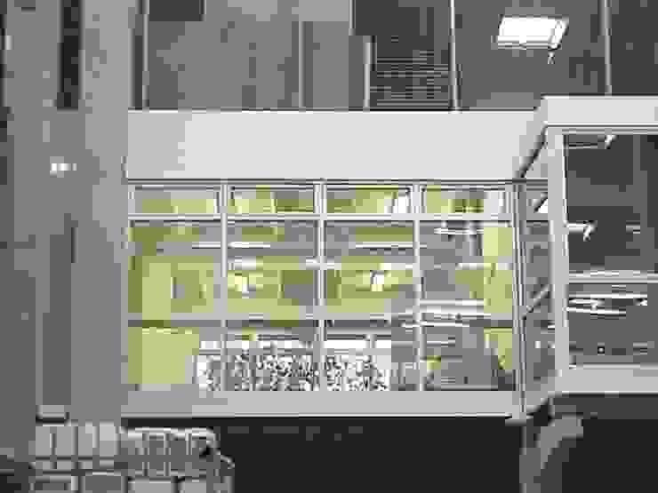 Ampliación y remodelación de Centro de Distribución PRE – UNIC por ALIWEN Casas estilo moderno: ideas, arquitectura e imágenes de ALIWEN arquitectura & construcción sustentable - Santiago Moderno