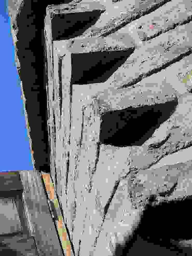 Paredes de Ladrillo Paredes y pisos de estilo colonial de ALIWEN arquitectura & construcción sustentable - Santiago Colonial