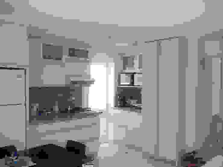 VENTILACION E ILUMINACION NATURAL Cocinas de estilo minimalista de Inversiones Su Paraiso Minimalista
