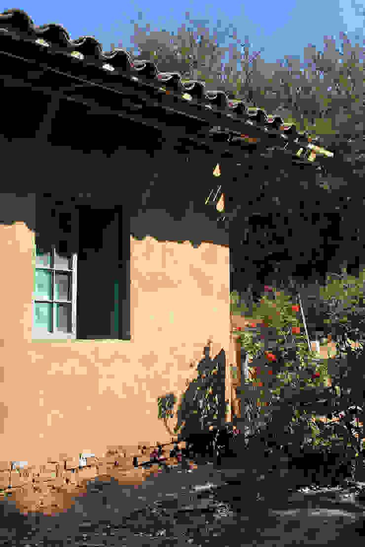 Subsidios de Reparación Patrimonial de Adobe por ALIWEN Casas de estilo colonial de ALIWEN arquitectura & construcción sustentable - Santiago Colonial