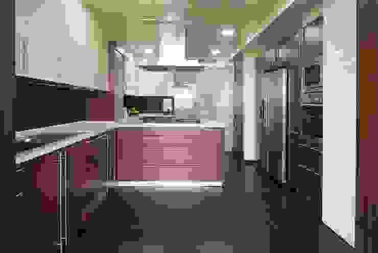 Residence 2 โดย Dynamic Designss โมเดิร์น