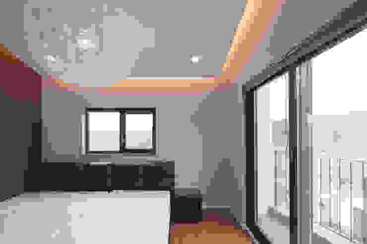 성석동 주택 (Seongseokdong House) 모던스타일 침실 by 위빌 모던