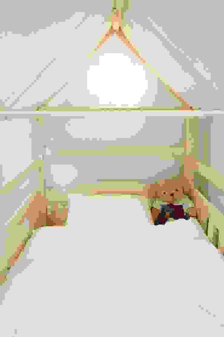 새 아파트 홈스타일링 (Paju APT) 모던스타일 아이방 by homelatte 모던