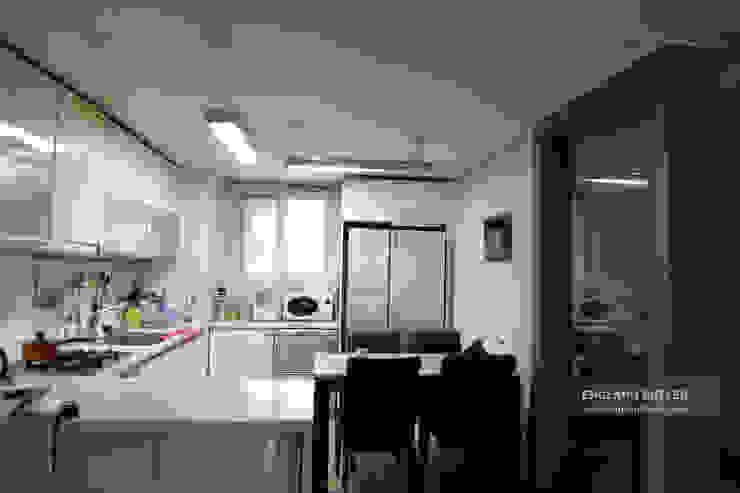 분당 K House (Bundang K House) 잉글랜드버틀러 Modern kitchen
