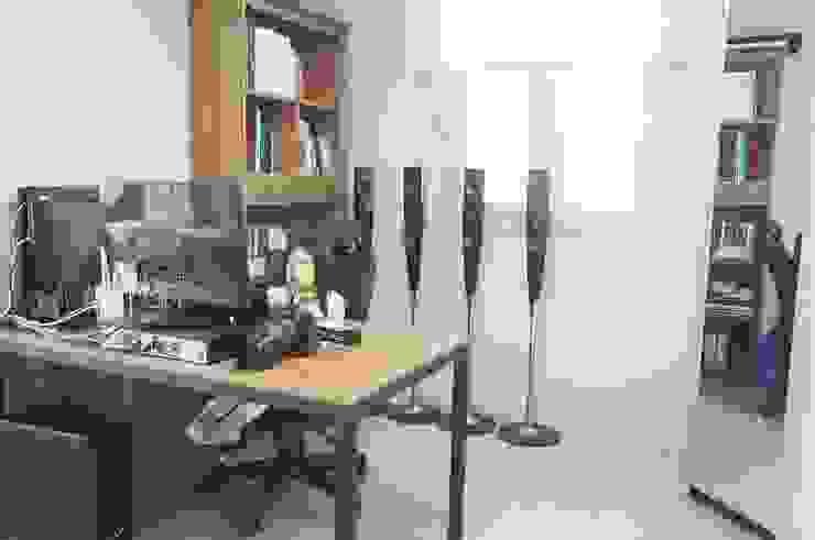 새 아파트 홈스타일링 (Paju APT) 모던스타일 서재 / 사무실 by homelatte 모던