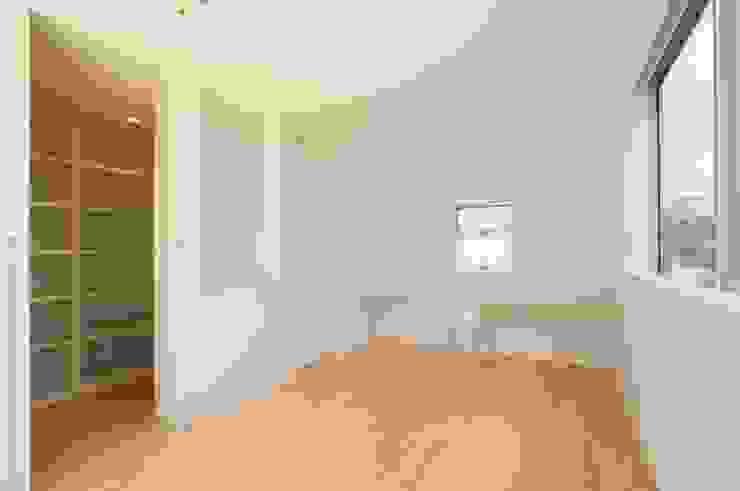 有限会社 橋本設計室 Modern style bedroom