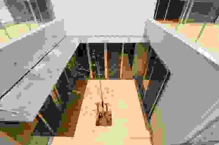 Jardines de estilo moderno de 有限会社 橋本設計室 Moderno