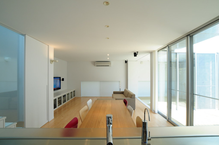 Cocinas de estilo moderno de 有限会社 橋本設計室 Moderno