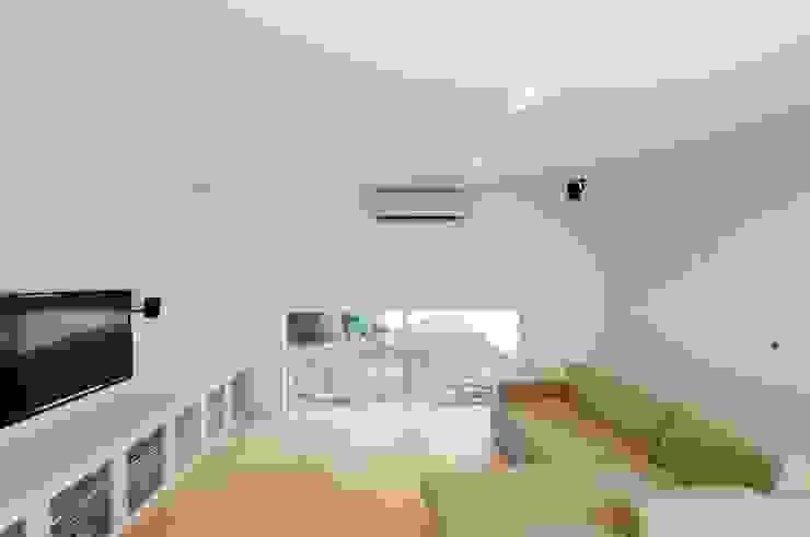有限会社 橋本設計室 Ruang Keluarga Modern