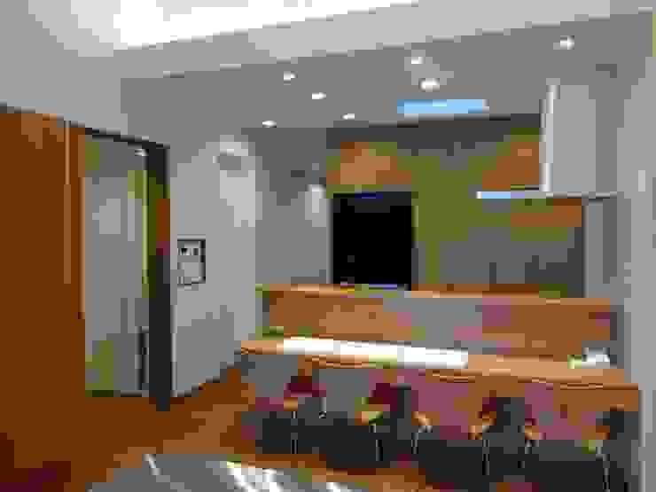 Cocinas de estilo  de 有限会社 橋本設計室
