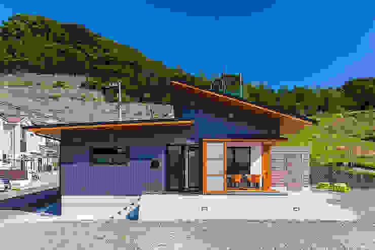 Casas de estilo  de 有限会社 橋本設計室