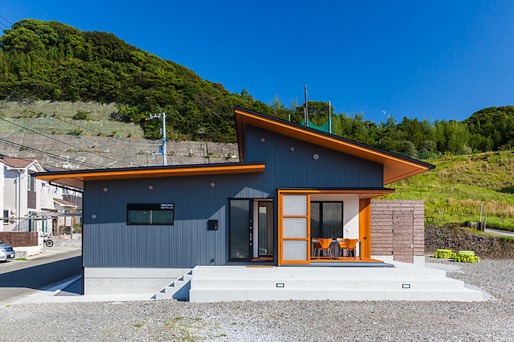Casas modernas de 有限会社 橋本設計室 Moderno