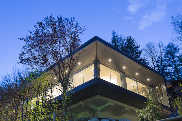 Chevallier Architectes Modern balcony, veranda & terrace Glass