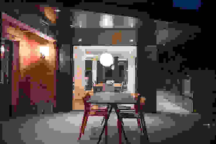 Soleya Balcon, Veranda & Terrasse modernes par Chevallier Architectes Moderne