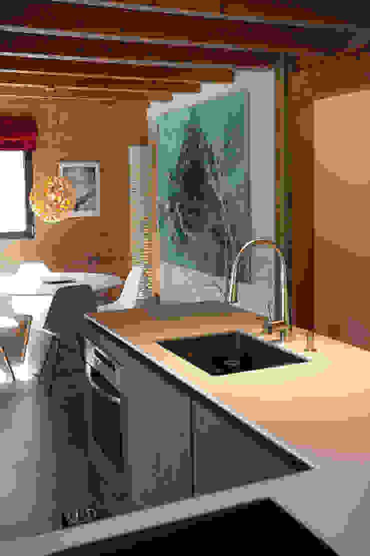 Chevallier Architectes Modern kitchen