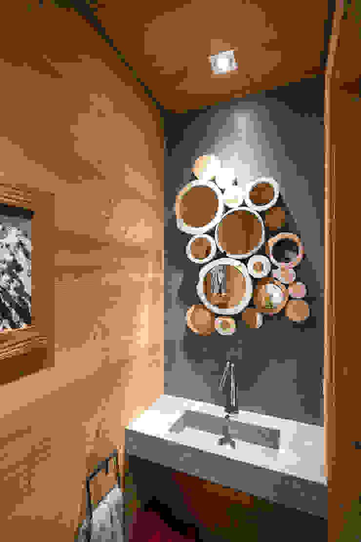 Chevallier Architectes Modern bathroom Wood