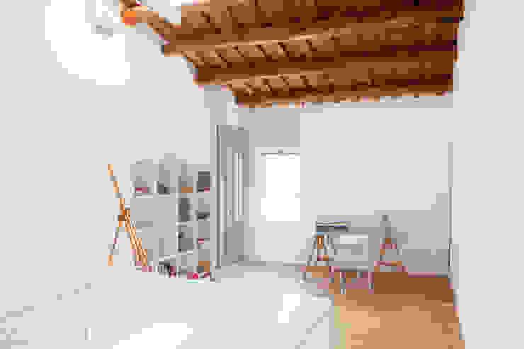 Viladecavalls House Espaços de trabalho minimalistas por CABRÉ I DÍAZ ARQUITECTES Minimalista