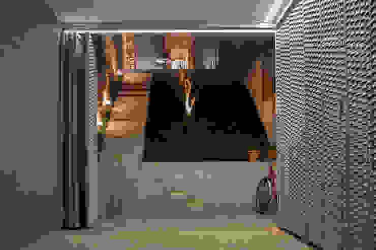 Viladecavalls House Minimalist style garage/shed by CABRÉ I DÍAZ ARQUITECTES Minimalist