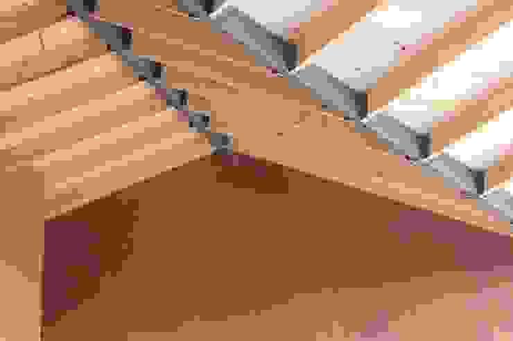 Techo Paredes y pisos de estilo rural de ALIWEN arquitectura & construcción sustentable - Santiago Rural