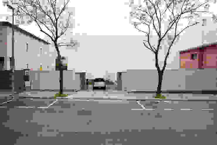 Fachada Casas de estilo minimalista de CABRÉ I DÍAZ ARQUITECTES Minimalista