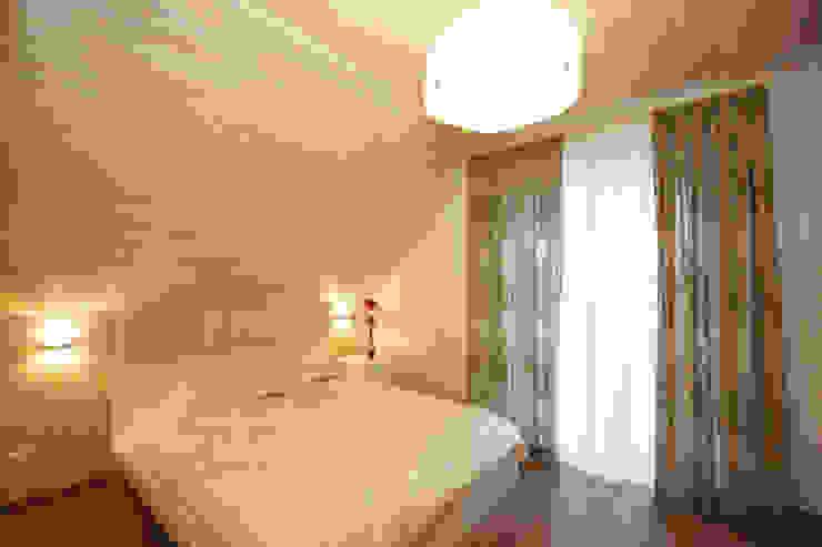 Студия интерьера 'SENSE' Scandinavian style bedroom White