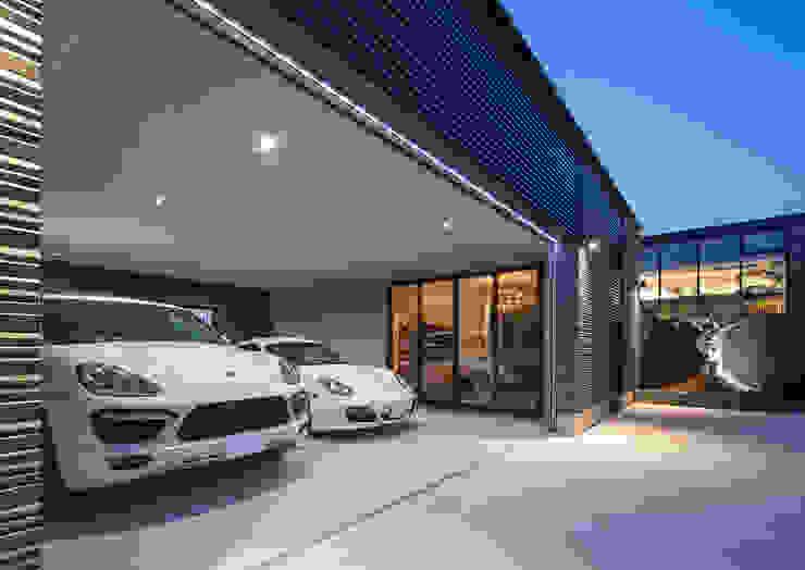 Modern Garage and Shed by 一級建築士事務所 馬場建築設計事務所 Modern