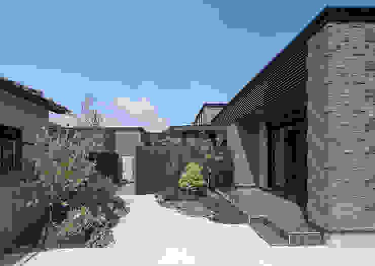 Jardins modernos por 一級建築士事務所 馬場建築設計事務所 Moderno