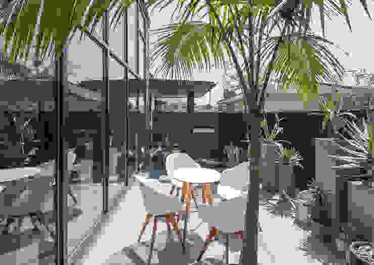 Varandas, alpendres e terraços modernos por 一級建築士事務所 馬場建築設計事務所 Moderno