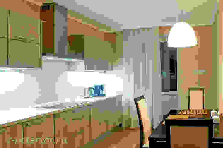 Студия интерьера 'SENSE' Eclectic style kitchen White