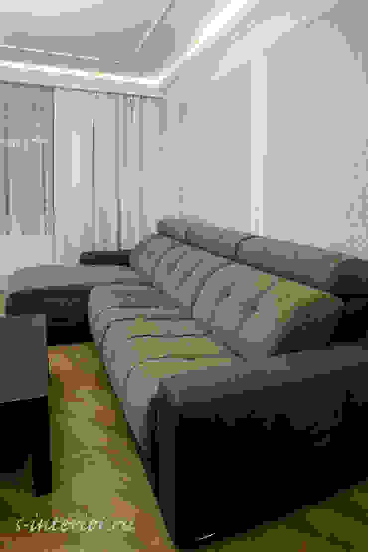Студия интерьера 'SENSE' Eclectic style living room Purple/Violet