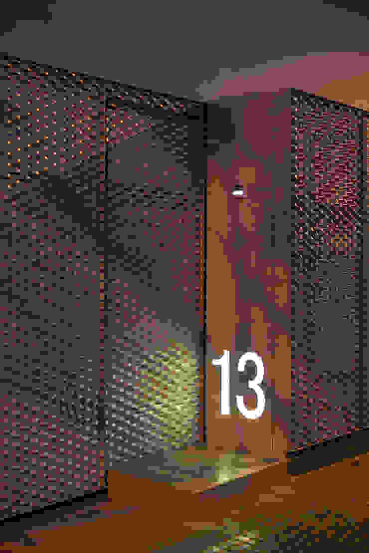 Verja exterior CABRÉ I DÍAZ ARQUITECTES Casas de estilo minimalista