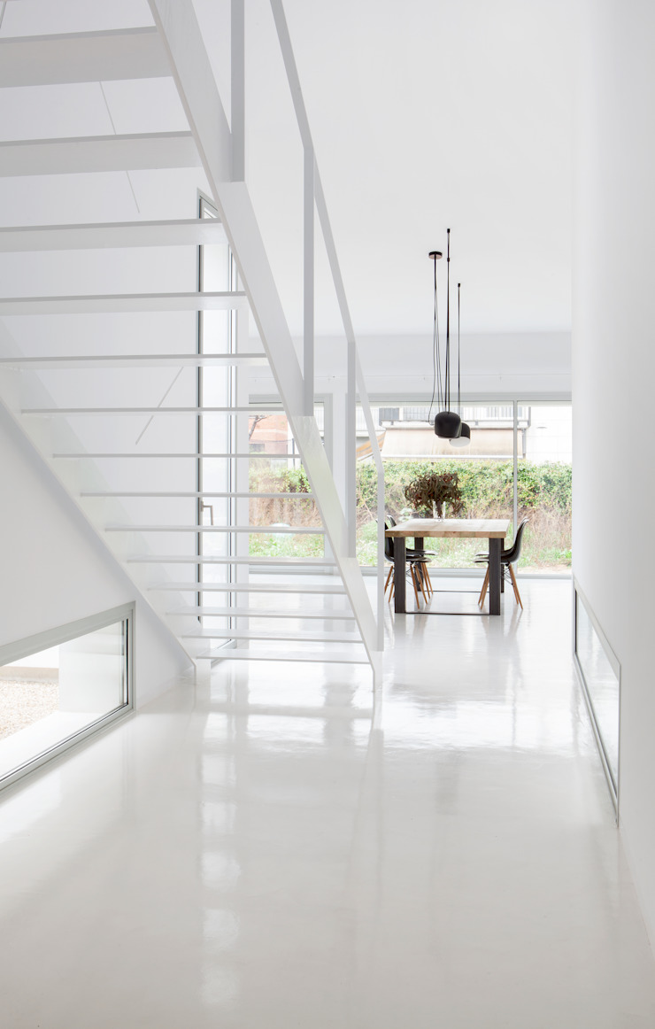 Vestíbulo CABRÉ I DÍAZ ARQUITECTES Pasillos, halls y escaleras minimalistas