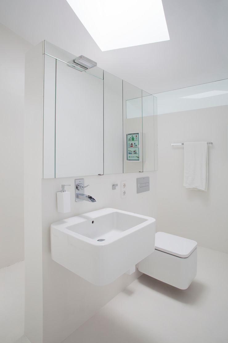 Baño 1 CABRÉ I DÍAZ ARQUITECTES Baños de estilo minimalista