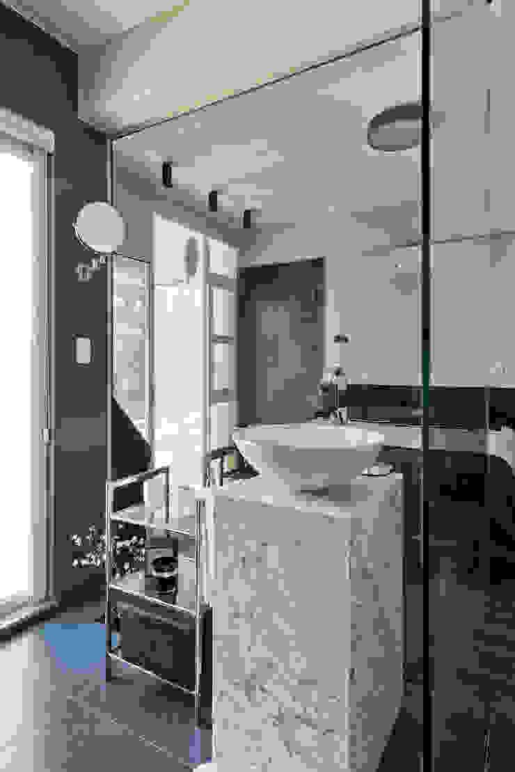 Estúdio IR 現代浴室設計點子、靈感&圖片