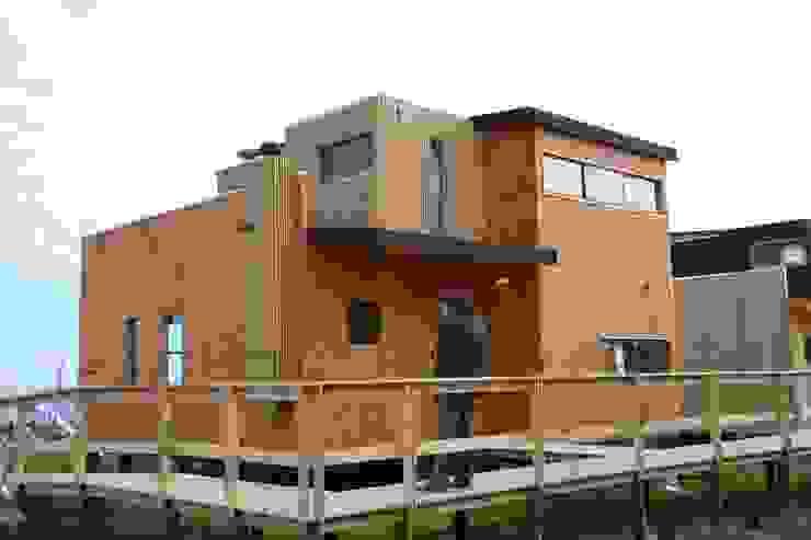 現代房屋設計點子、靈感 & 圖片 根據 EstradaMassera Arquitectura 現代風 木頭 Wood effect