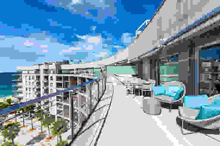 Terraza planta general homify Balcones y terrazas de estilo moderno