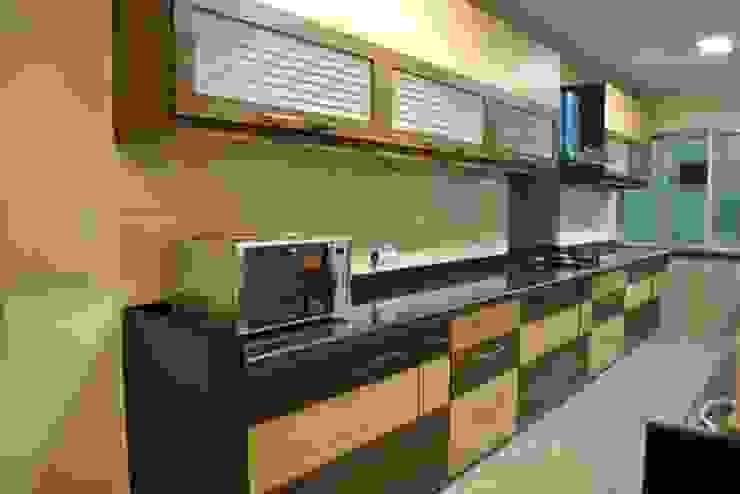 Vikas singh apartment Modern kitchen by Arturo Interiors Modern