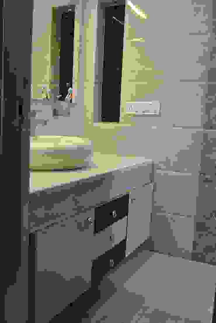 Nawab alam Modern bathroom by Arturo Interiors Modern
