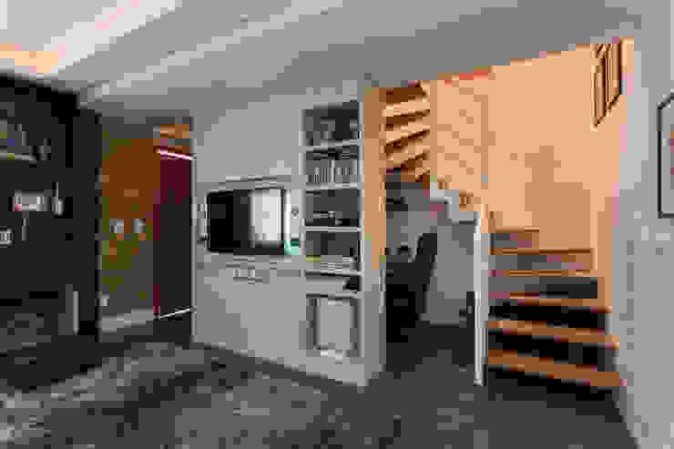 Livings de estilo moderno de Kali Arquitetura Moderno