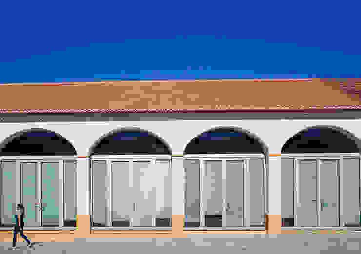 Loja da Quinta do Casal da Coelheira Lojas e Espaços comerciais modernos por Modo Arquitectos Associados Moderno Vidro