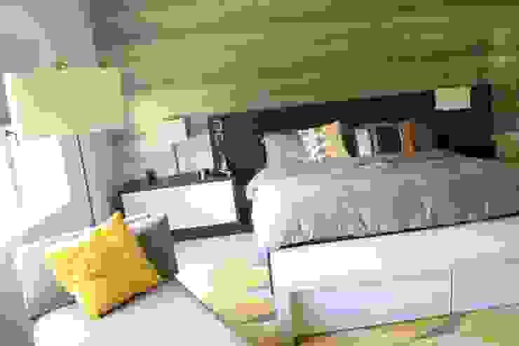 Phòng ngủ phong cách hiện đại bởi JAVC ARQUITECTOS S.C Hiện đại